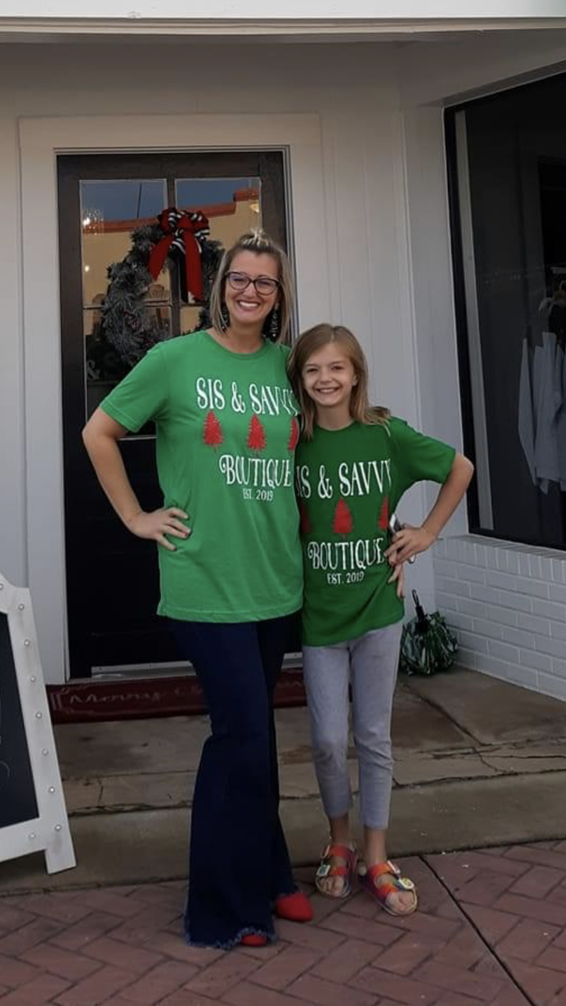 Sis & Savvy Christmas Tee *Final Sale*
