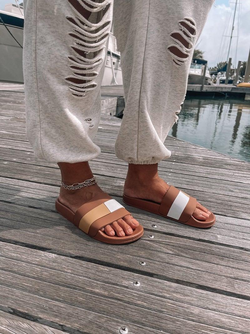 Chic Feet Slides