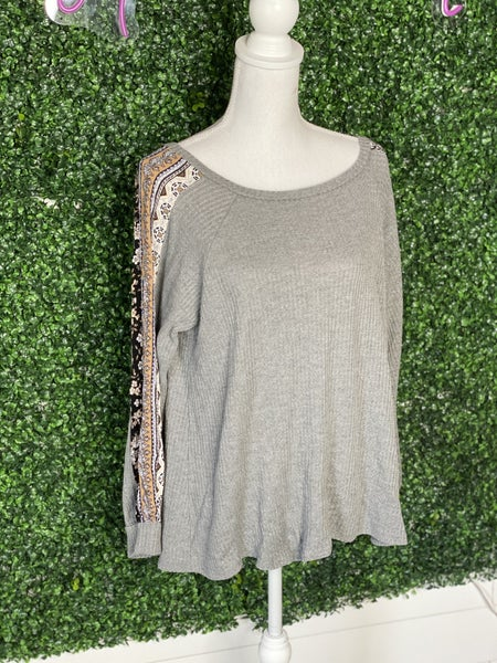 *L LOVE Grey Patterned Sleeve Top- L*