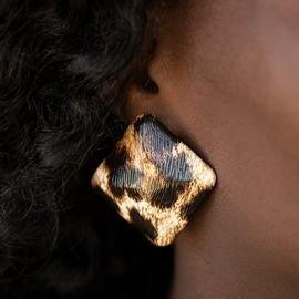 Making HISS-tory - Brown Cheetah Print Earrings