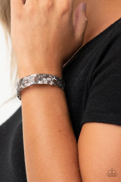 Its Getting HAUTE In Here - Black & White Marbled Acrylic Bracelet