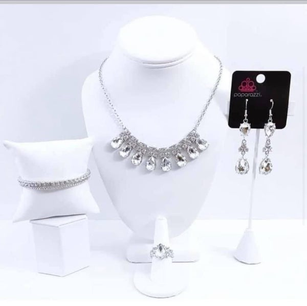 Fiercely 5th Avenue - Silver with Bling - May 2021 Fashion Fix Set