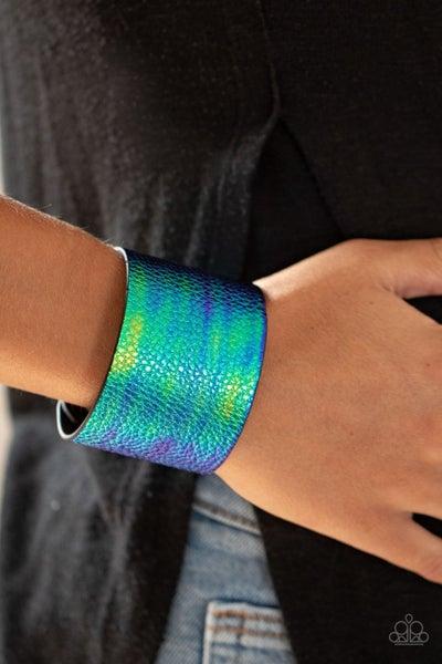 Cosmo Cruise - Iridescent Blue crocodile print Snap Bracelet
