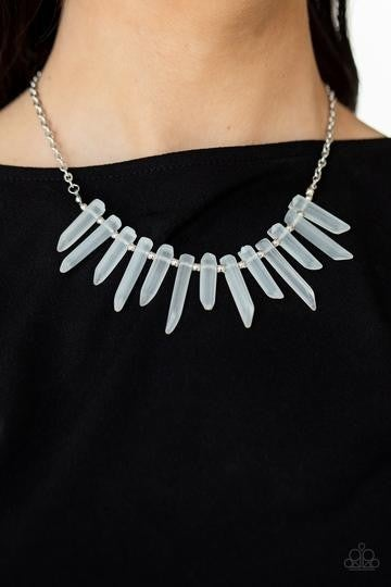 ICE AGE INTENSITY - WHITE GLASSY ICICLE BEAD SILVER NECKLACE