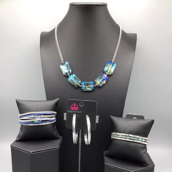 Sunset Sighting - Blue Iridescent 4 piece Set - February 2021 Fashion Fix