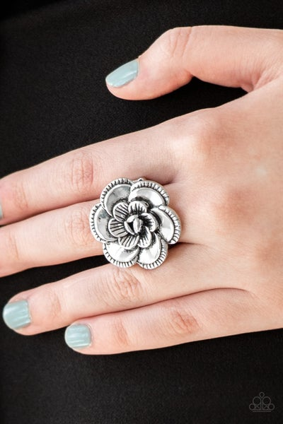 FLOWERBED and Breakfast - Silver Flower Bloom Ring