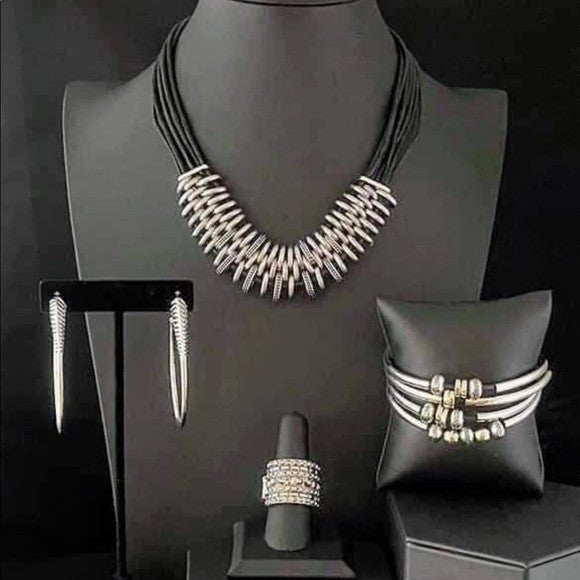 Magnificent Musings - Black Leather & Silver Complete Blend Trend - April 2021