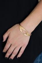 In Total De-NILE - Gold Bracelet