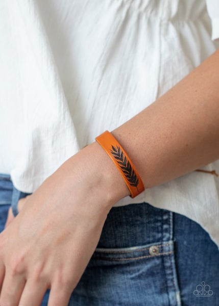 This QUILL All Be Yours - Black Feather painted on Brown Leather Pull-Tight Bracelet