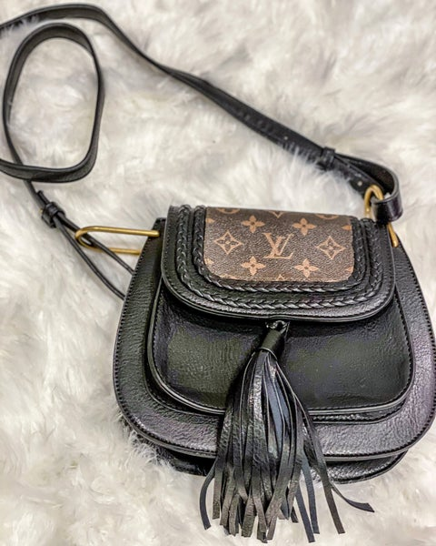 Ripple Effect Crossbody