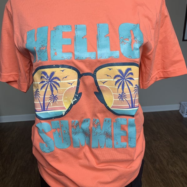 Hello Summer Graphic T-shirt Preorder