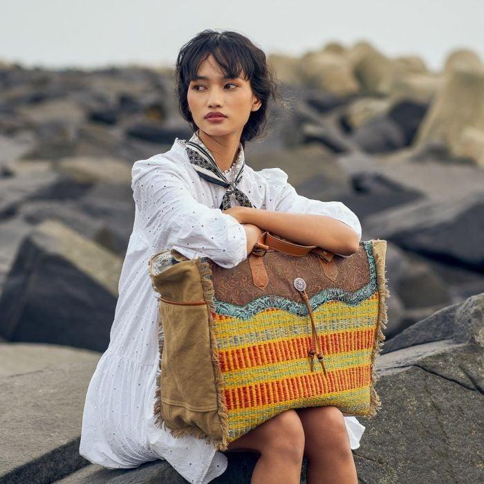 Juaune Weekender Bag