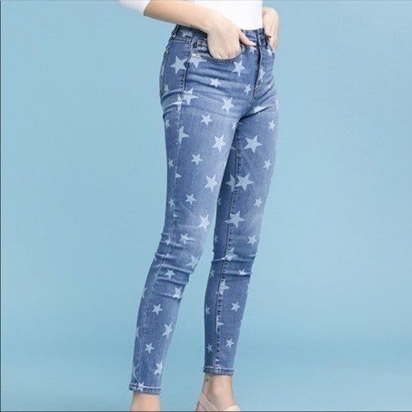 Judy Blue Star Embroidered Skinnies