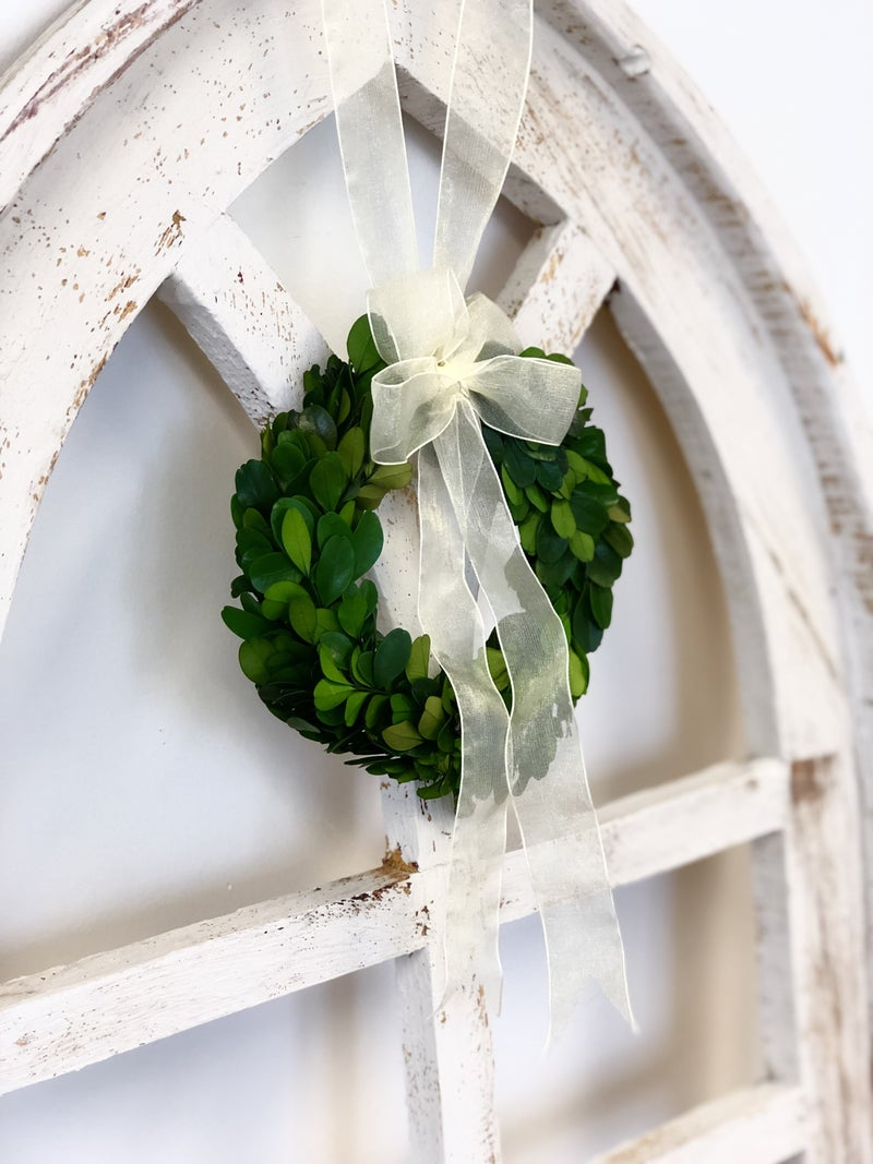 "6"" Boxwood Wreath with Ribbon"