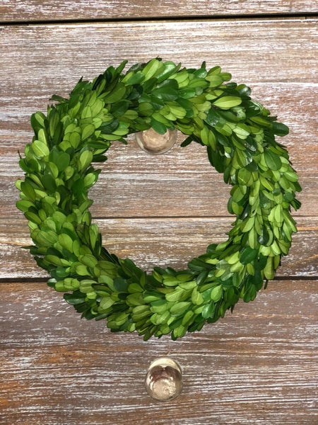 "Round Boxwood Wreath (8"")"