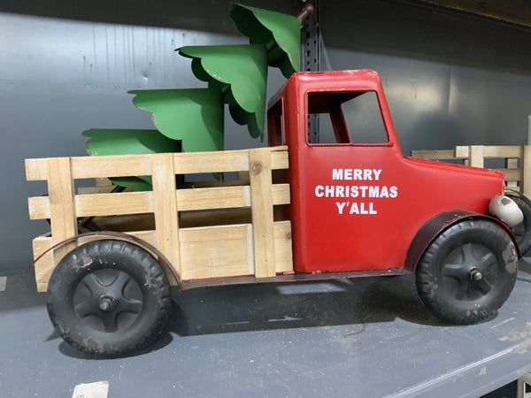 Red Truck w/Christmas Tree