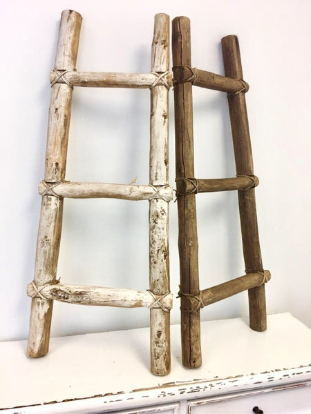 Distressed Small Blanket Ladder