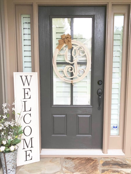 Vertical Embossed Welcome Sign