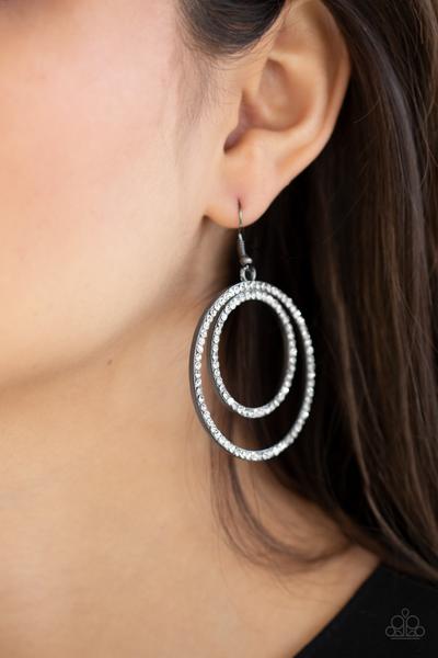 Radiating Refinement Black Earring