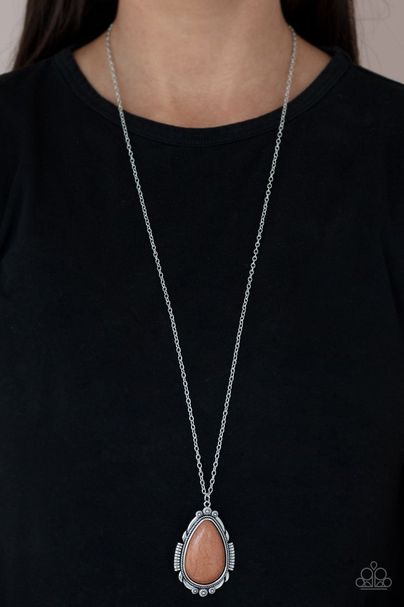 Western Fable Brown Necklace