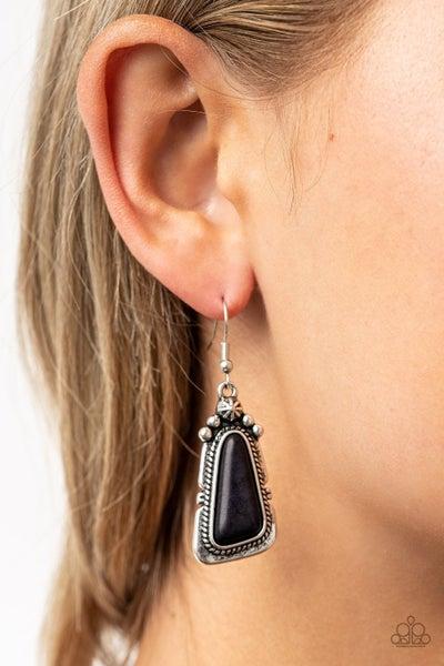 Sahara Solitude Black Earring