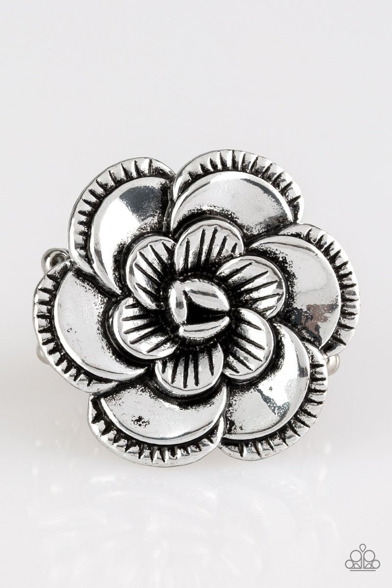 FLOWERBED and Breakfast Silver Ring
