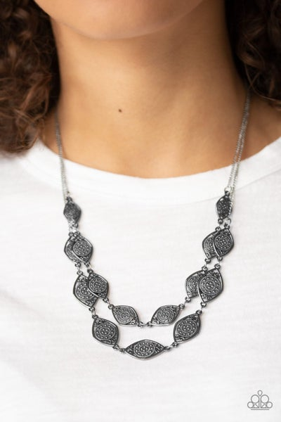 Make Yourself at Homestead Black Necklace