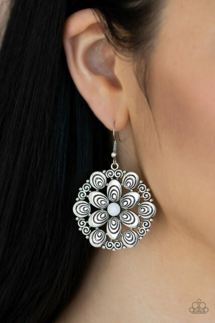 Grove Groove White Earring - Sparkle with Suzanna