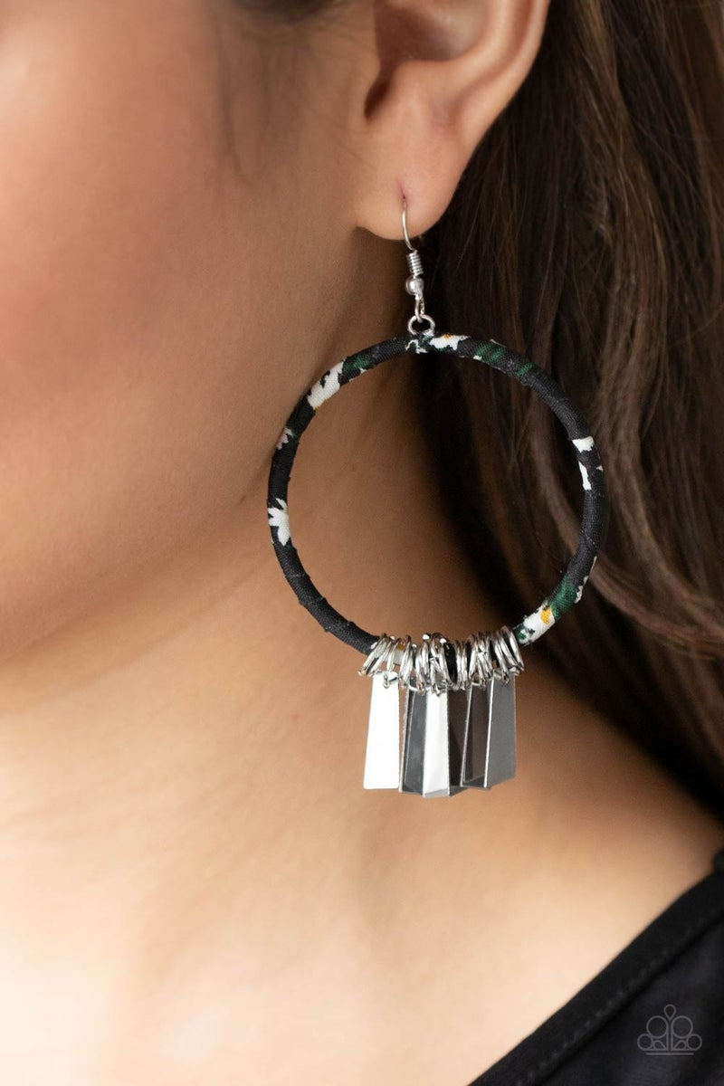 Garden Chimes Black Earring - Sparkle with Suzanna