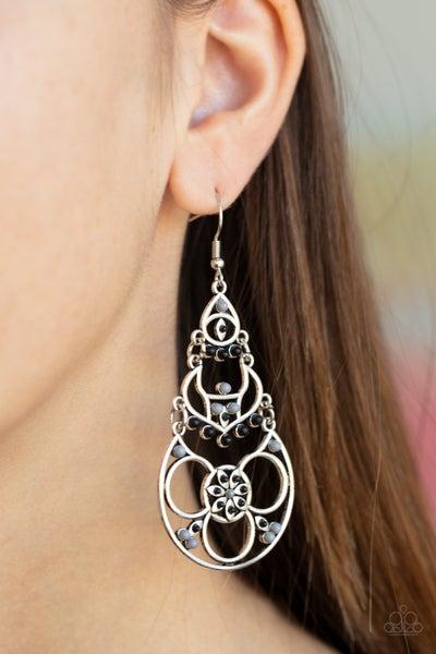 Garden Melody Black Earring