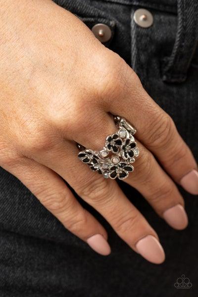 Blooming Banquet Black Ring