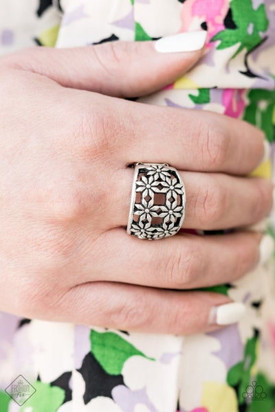 Crazy About Daisies Silver RIng