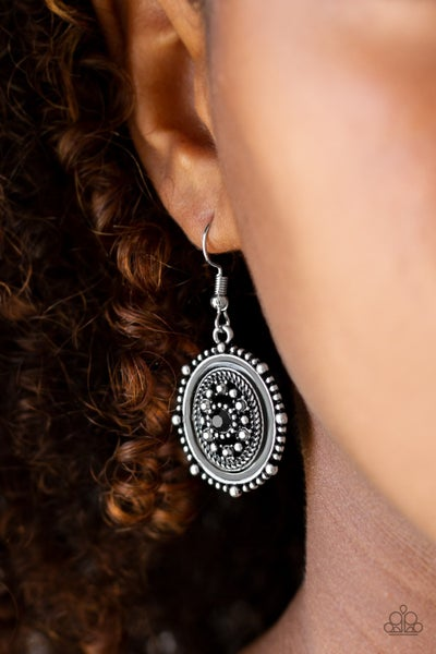 Picture of Wealth Black Earring