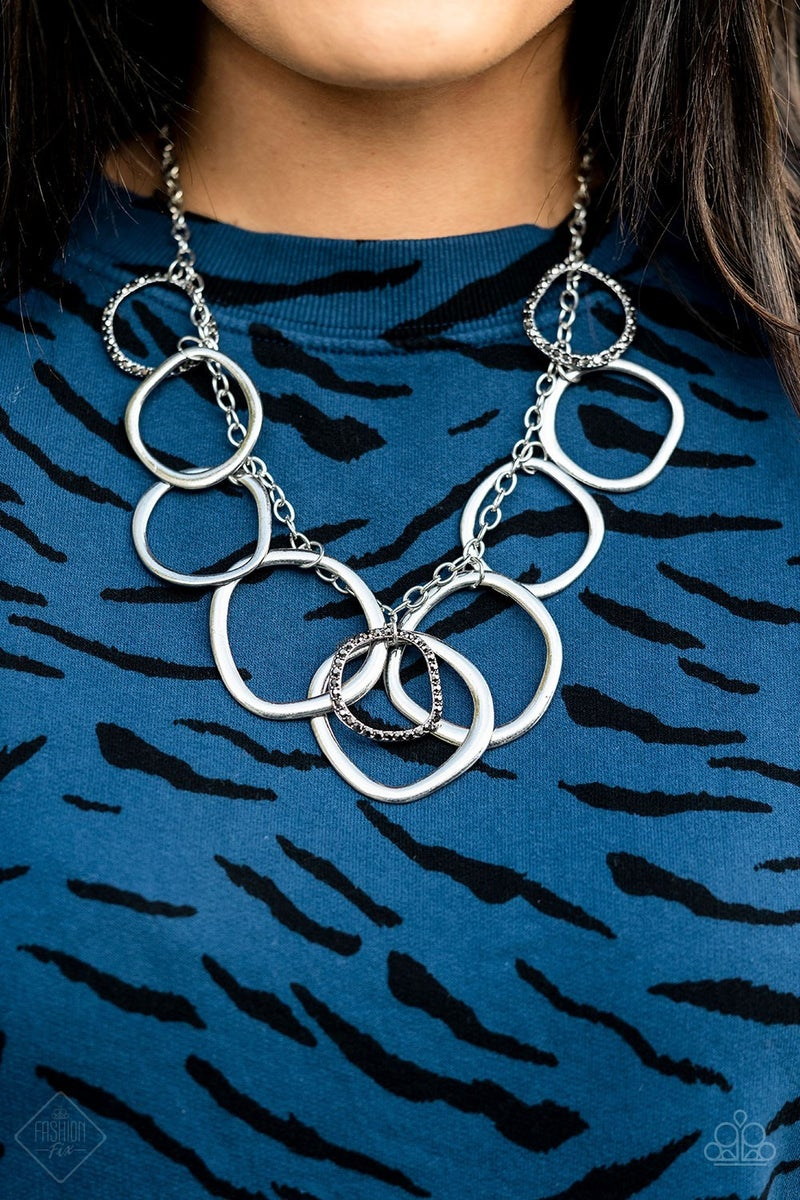 Dizzy With Desire Silver Necklace - Fashion Fix