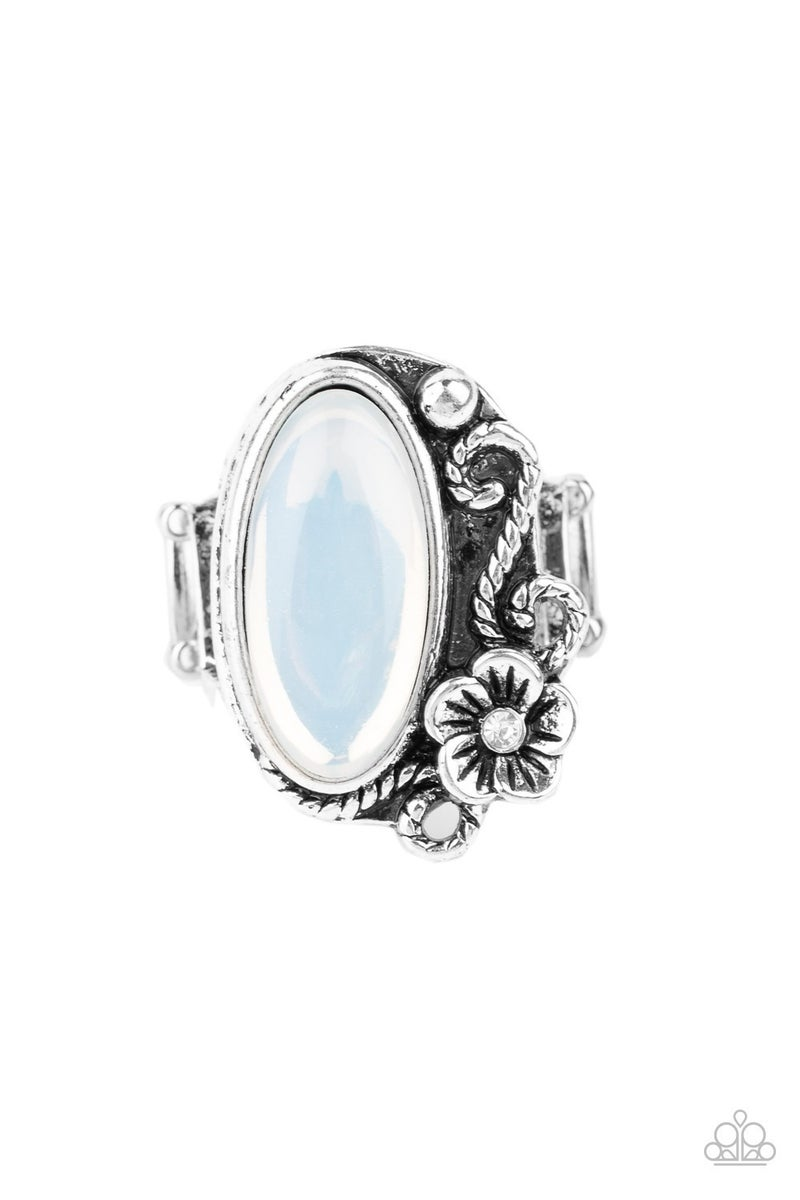 Any DAISY Now White Ring