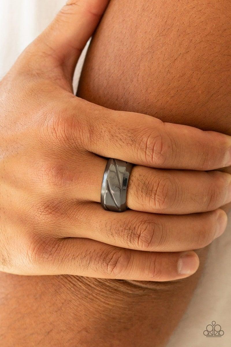 Sideswiped Men's Black Ring