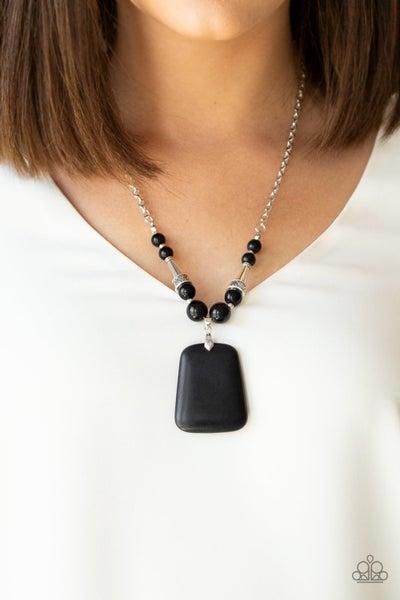 Sandstone Oasis Black Necklace