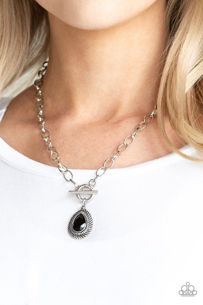 Sheen Queen Black Necklace