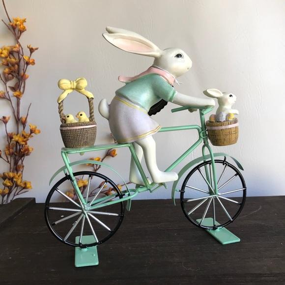 Bunny on Mint Bike