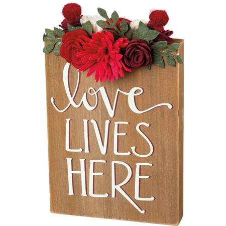 Block Sign - Love Lives Here