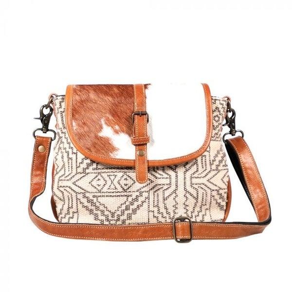 Myra Flappy Thingy Bag