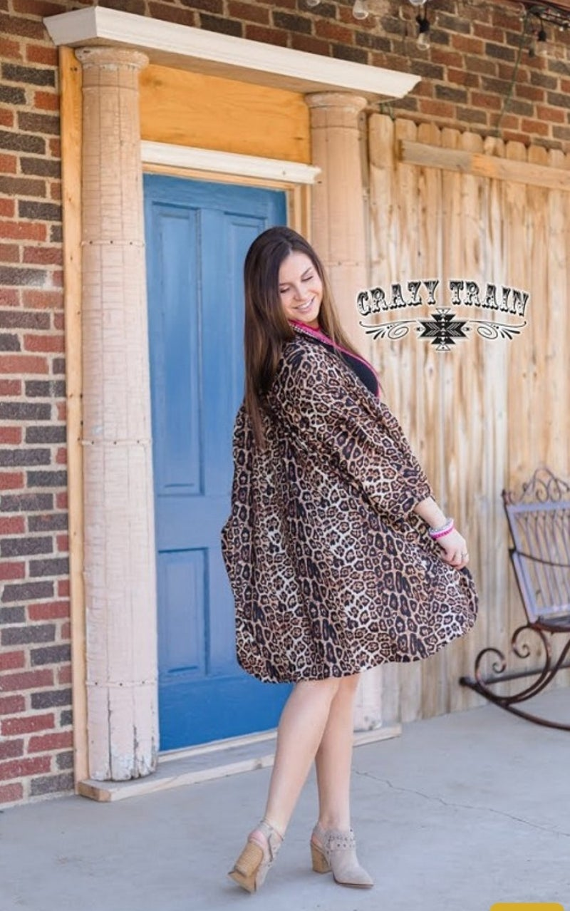 The California Cardigan**Leopard