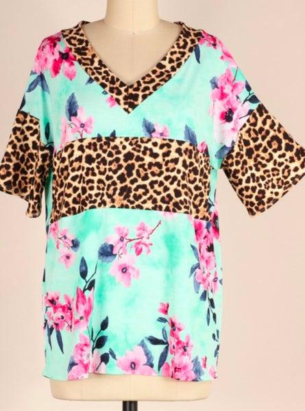 Floral Leopard V-Neck Short Sleeve Top