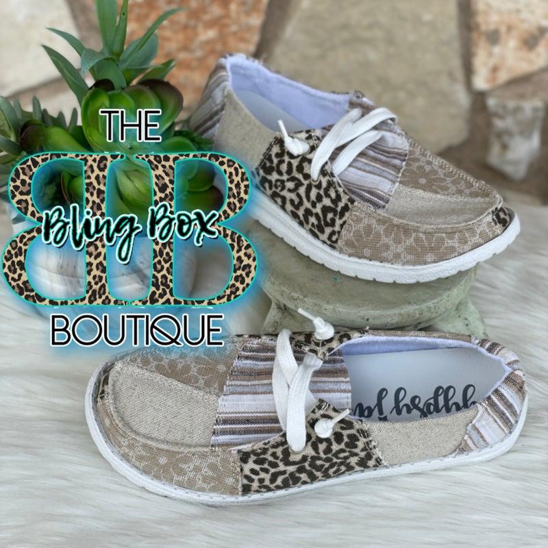 Gypsy Jazz Groovy Cream Patch Tennis Shoes