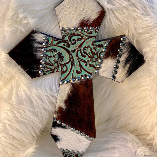 "16"" White & Brown Cowhide Patch Turquoise Leather"