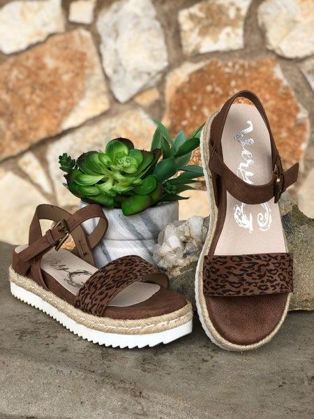 Leopard - Glossy White Bottom Sandal SIZE