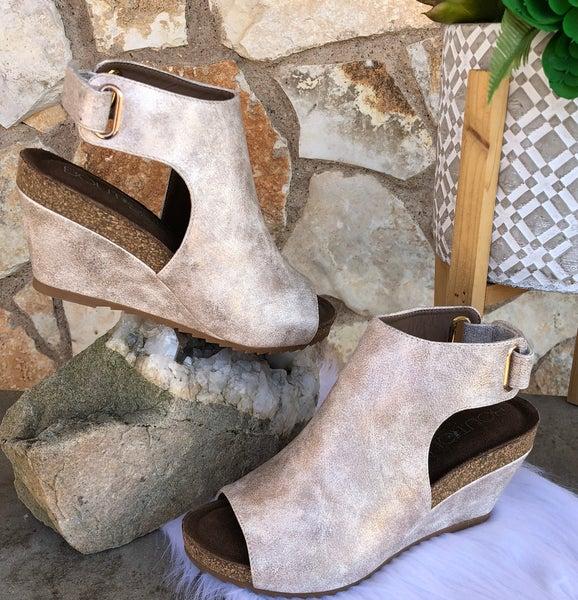 Calypso Gold Metallic Wedge Shoe SIZE
