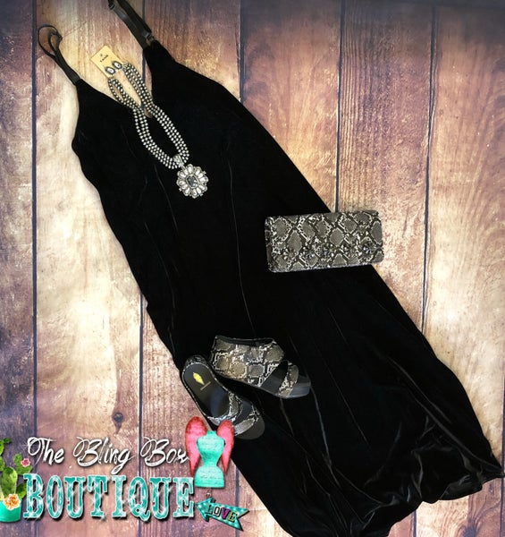 ONE SIZE - Black Velvet Maxi Dress