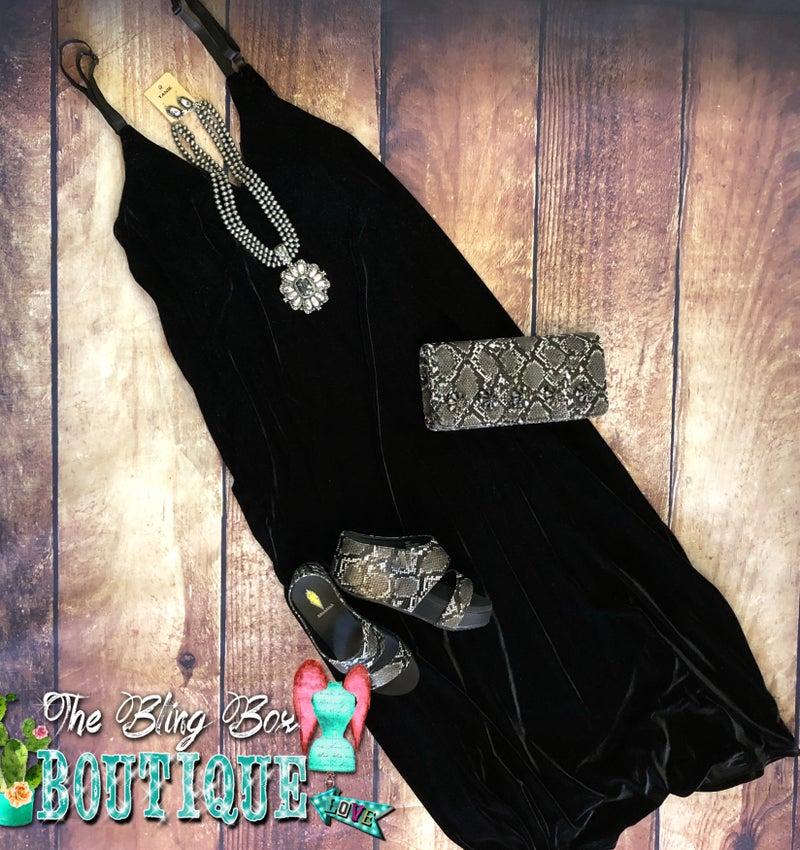 ONE SIZE - Black Velvet Maxi Dress