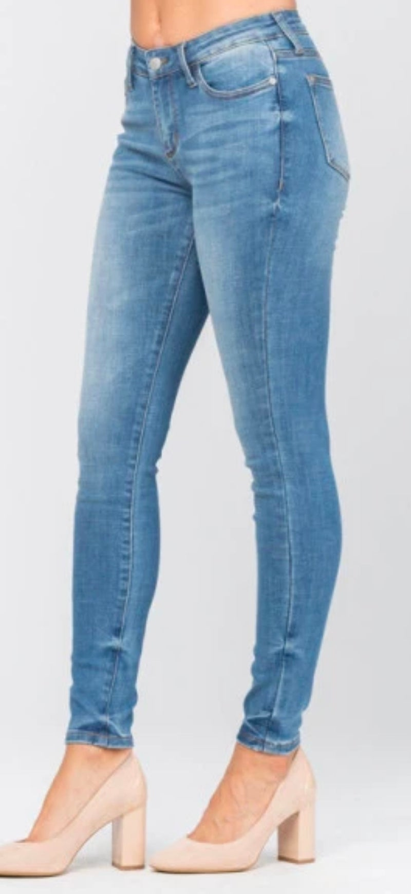 PLUS - Judy Blue High Waist Light Wash Skinny Jeans